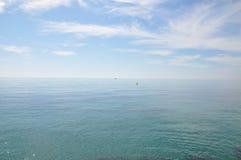 Μεσόγειος μια ηλιόλουστη ημέρα Γιοτ στη θάλασσα Στοκ Εικόνα