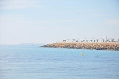 Μεσόγειος μια ηλιόλουστη ημέρα Γιοτ στη θάλασσα Στοκ Φωτογραφίες