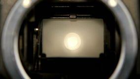 Μετάβαση ανοιγμάτων παραθυρόφυλλων καμερών σε σε αργή κίνηση Φακός καμερών κινηματογραφήσεων σε πρώτο πλάνο απόθεμα βίντεο