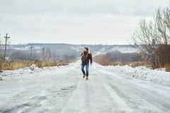 Μετάβαση κατά μήκος του δρόμου Στοκ εικόνες με δικαίωμα ελεύθερης χρήσης