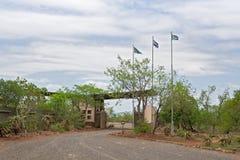 Μετάβαση πυλών Giriyondo από τη Νότια Αφρική στη Μοζαμβίκη στοκ εικόνες με δικαίωμα ελεύθερης χρήσης