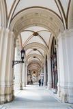 Μετάβαση Arcade σε Rathausplatz σε Viena, Αυστρία Στοκ φωτογραφίες με δικαίωμα ελεύθερης χρήσης