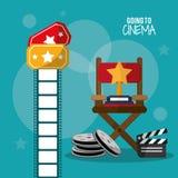 Μετάβαση clapper εξελίκτρων κινηματογράφων στη λουρίδα και τα εισιτήρια ταινιών Στοκ Εικόνες
