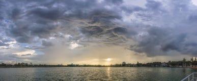 Μετά από Strom ο ήλιος λάμπει στοκ φωτογραφίες