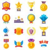 Μετάλλια τροπαίων και κερδίζοντας εικονίδια επιτυχίας κορδελλών Κερδίστε τα διανυσματικά σύμβολα νικητών βραβείων ελεύθερη απεικόνιση δικαιώματος