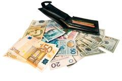Μεταβλητά τραπεζογραμμάτια στον ξύλινο πίνακα, ανταλλαγή νομίσματος στοκ εικόνα