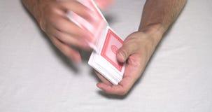 Μεταθέτοντας κάρτες παιχνιδιού φιλμ μικρού μήκους