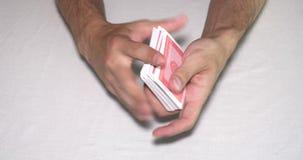Μεταθέτοντας κάρτες παιχνιδιού απόθεμα βίντεο