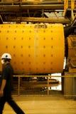 Μετακίνηση στο εργοστάσιο βιομηχανικό Στοκ εικόνες με δικαίωμα ελεύθερης χρήσης