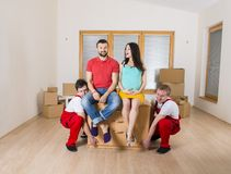Μετακινούμενοι στο καινούργιο σπίτι Στοκ Φωτογραφίες