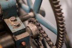 Μεταλλικά εργαλεία, κινηματογράφηση σε πρώτο πλάνο, της εκλεκτής ποιότητας μηχανής - σκονισμένο παλαιό technolo στοκ φωτογραφίες