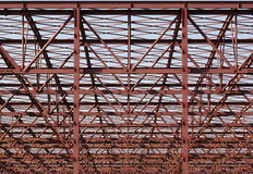 Μεταλλική κατασκευή - ΑΚΑΤΕΡΓΑΣΤΗ μορφή στοκ εικόνες με δικαίωμα ελεύθερης χρήσης