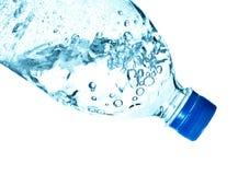 μεταλλικό νερό μπουκαλι Στοκ Φωτογραφίες