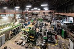 Μεταλλουργικό κατάστημα Τόρνοι και μύλοι, συγκόλληση και τέμνουσες μηχανές στοκ φωτογραφίες με δικαίωμα ελεύθερης χρήσης