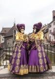 Μεταμφιεσμένο ζεύγος - Annecy ενετικό καρναβάλι 2013 Στοκ φωτογραφία με δικαίωμα ελεύθερης χρήσης