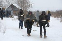 Μετανάστες σε Βελιγράδι κατά τη διάρκεια του χειμώνα στοκ φωτογραφίες