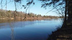 Μεταξύ του λατομείου και του ποταμού δυτικό Dvina απόθεμα βίντεο