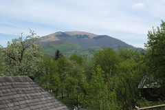 Μεταξύ των βουνών στοκ φωτογραφία με δικαίωμα ελεύθερης χρήσης