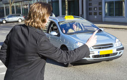 μεταφέροντας ταξί Στοκ Εικόνες