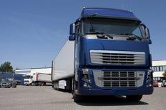 Μεταφορά με φορτηγό και διοικητικές μέριμνες στοκ εικόνα με δικαίωμα ελεύθερης χρήσης