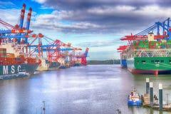 Μεταφορά σκαφών του Αμβούργο Burchardkai Γερμανία στοκ φωτογραφία με δικαίωμα ελεύθερης χρήσης