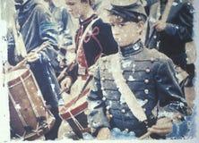 Μεταφορά Polaroid των αγοριών τυμπανιστών κατά τη διάρκεια της αναπαράστασης εμφύλιου πολέμου της μάχης του τρεξίματος του Bull Στοκ Φωτογραφίες