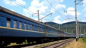 Μεταφορές επιβατών που χρωματίζονται στο μπλε χρώμα απόθεμα βίντεο