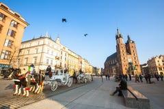 Μεταφορές στο κύριο τετράγωνο αγοράς Χρονολογεί στο 13ο αιώνα Στοκ φωτογραφία με δικαίωμα ελεύθερης χρήσης