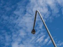 Μετα κορυφή ηλεκτρικής ενέργειας με το υπόβαθρο μπλε ουρανού Στοκ εικόνες με δικαίωμα ελεύθερης χρήσης