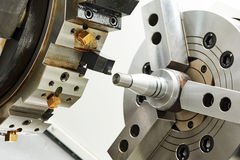 Μεταλλουργική γυρίζοντας διαδικασία στοκ φωτογραφίες