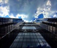 μεταλλουργική ξύστρα ουρανού Στοκ Φωτογραφίες