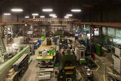 Μεταλλουργικό κατάστημα Τόρνοι και μύλοι, συγκόλληση και τέμνουσες μηχανές στοκ εικόνες