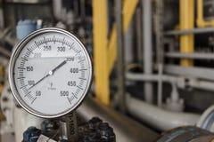 Μετρητής θερμοκρασίας σε λειτουργία πετρελαίου και φυσικού αερίου Στοκ Εικόνες