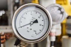 Μετρητής πίεσης σε λειτουργία πετρελαίου και φυσικού αερίου Στοκ Εικόνα