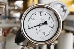 Μετρητής πίεσης σε λειτουργία πετρελαίου και φυσικού αερίου Στοκ Εικόνες