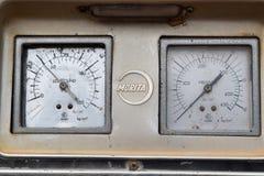 Μετρητής πίεσης στο πυροσβεστικό όχημα στοκ φωτογραφίες με δικαίωμα ελεύθερης χρήσης