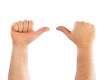 μετρώντας αρσενικό χεριών Στοκ Φωτογραφία