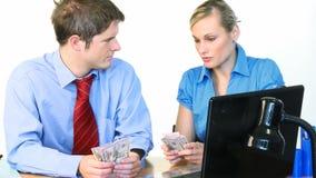 Μετρώντας δολάρια επιχειρηματιών και επιχειρηματιών φιλμ μικρού μήκους