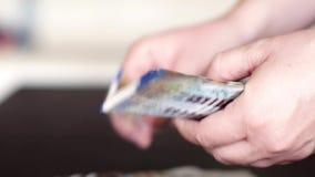 μετρώντας χρήματα απόθεμα βίντεο