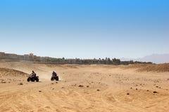 Με λάθη σαφάρι στην Αίγυπτο Άκρο από τον οδικό αγώνα Στοκ Εικόνες