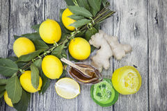 Μελιού λεμονιών πιπεροριζών σαπούνι, που συντίθεται χειροποίητο για τις επεξεργασίες SPA Στοκ φωτογραφία με δικαίωμα ελεύθερης χρήσης