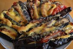 Μελιτζάνα με το τυρί και τα λαχανικά στοκ εικόνα με δικαίωμα ελεύθερης χρήσης