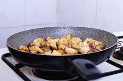 μελιτζάνα που τηγανίζεται Στοκ εικόνες με δικαίωμα ελεύθερης χρήσης