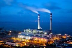 Με κάρβουνο εγκαταστάσεις παραγωγής ενέργειας στοκ εικόνες