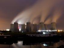 Με κάρβουνο σταθμός παραγωγής ηλεκτρικού ρεύματος Στοκ Εικόνες