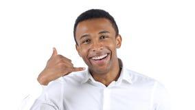 Με καλέστε χειρονομία από το αφροαμερικανός άτομο Στοκ Εικόνα