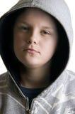 με κουκούλα εφηβικός α&ga Στοκ φωτογραφία με δικαίωμα ελεύθερης χρήσης