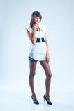 με πόδια μακροχρόνιο μοντέ&lam Στοκ εικόνα με δικαίωμα ελεύθερης χρήσης