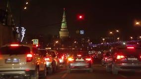 Με το αυτοκίνητο η νύχτα οδηγήσαμε στη Μόσχα Κρεμλίνο απόθεμα βίντεο