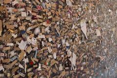 Μηνύματα αγάπης στον τοίχο Στοκ Φωτογραφία